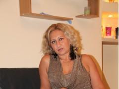 ALICE, blonda matura, ofer masaj de relaxare totala si tonifiere